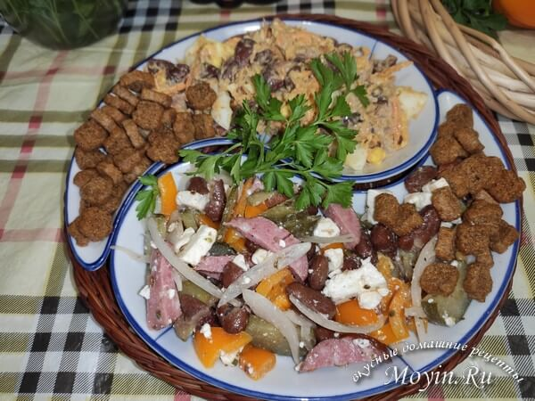 Салат с фасолью и сухариками - 2 простых и вкусных пошаговых рецепта